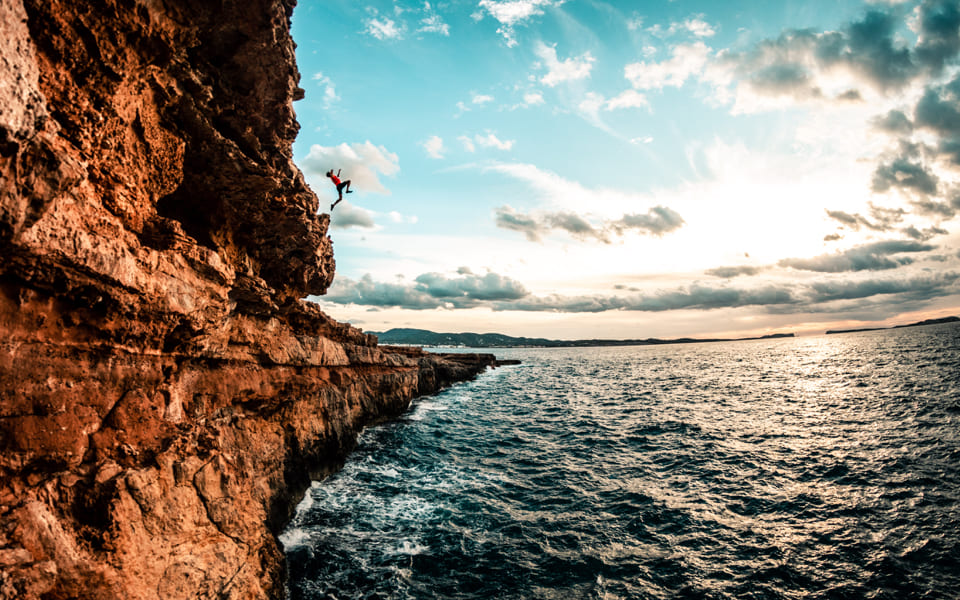 01 CLIFF JUMPING_01_2x