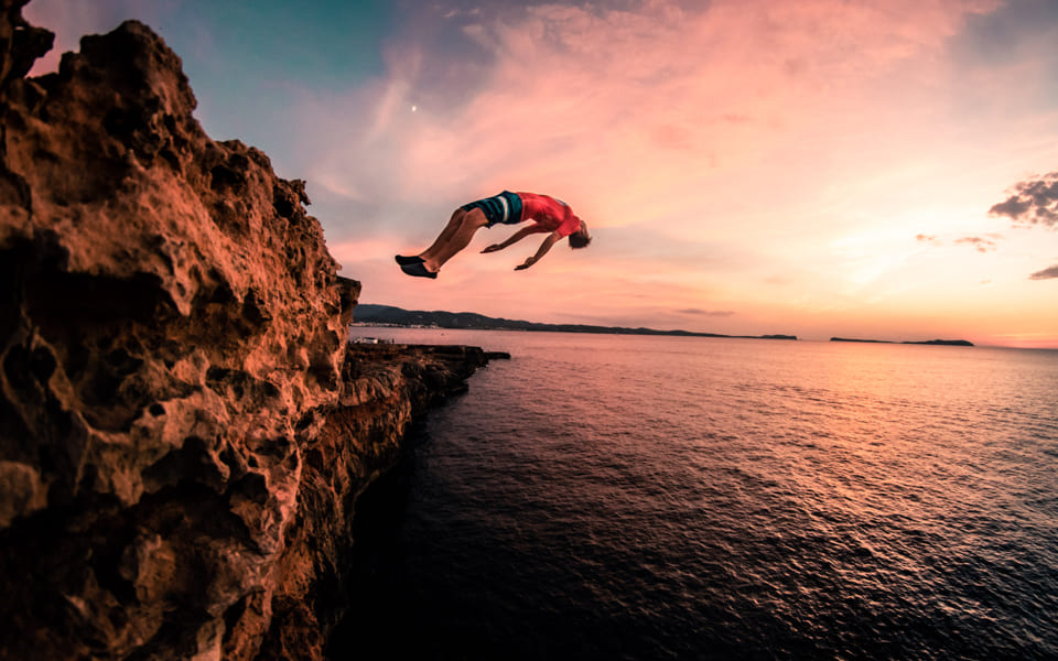 01 CLIFF JUMPING_03_2x