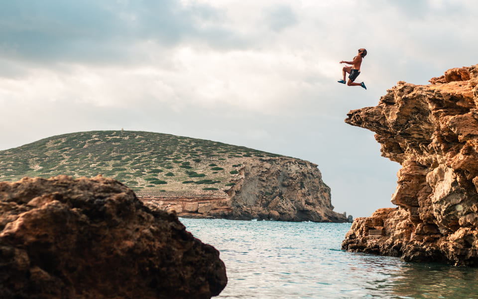 01 CLIFF JUMPING_04_2x