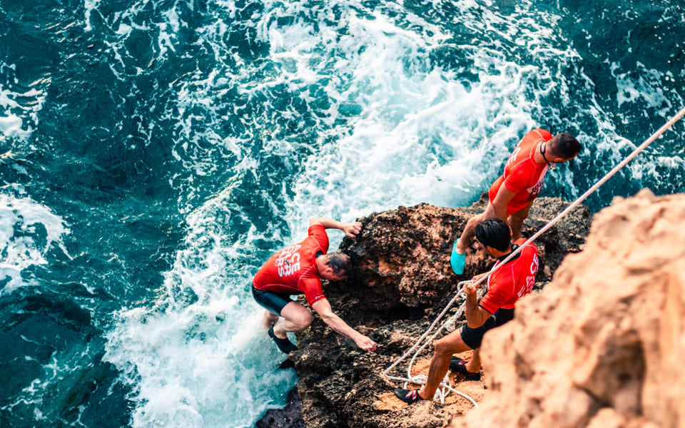 01 CLIFF JUMPING_06_2x