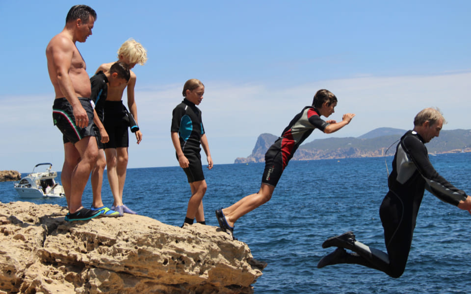 01 CLIFF JUMPING_10_2x