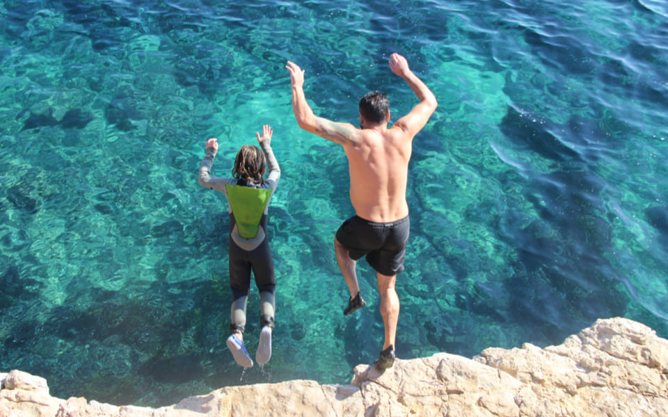 01 CLIFF JUMPING_11_2x