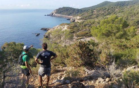 imagen-secret-sport-hike-island-exploration